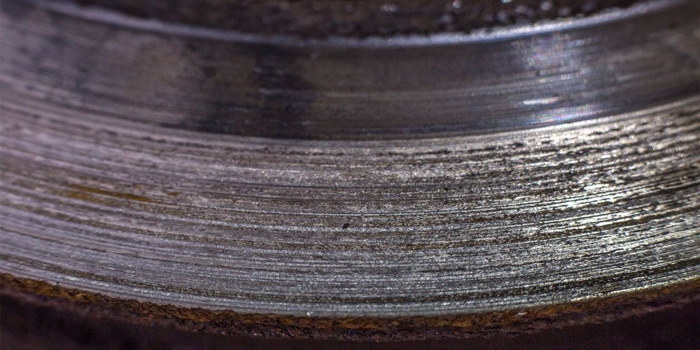 worn brake rotor grooves